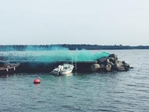 Smoke bomb green